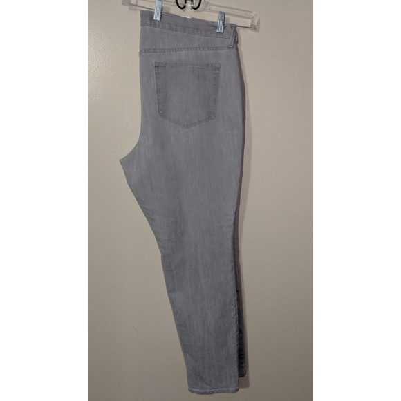 Old Navy Denim - Old Navy light grey jeans